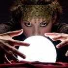 Divination avec la boule de cristal